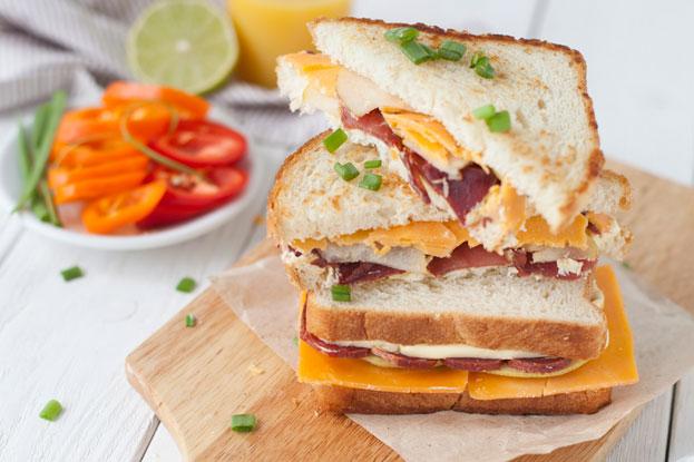 Три сытных сэндвича