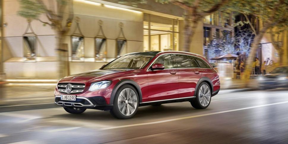 Mercedes представила вседорожный универсал E-Class