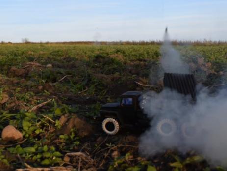 Белорус построил рабочую модель «Града» с бумажными ракетами
