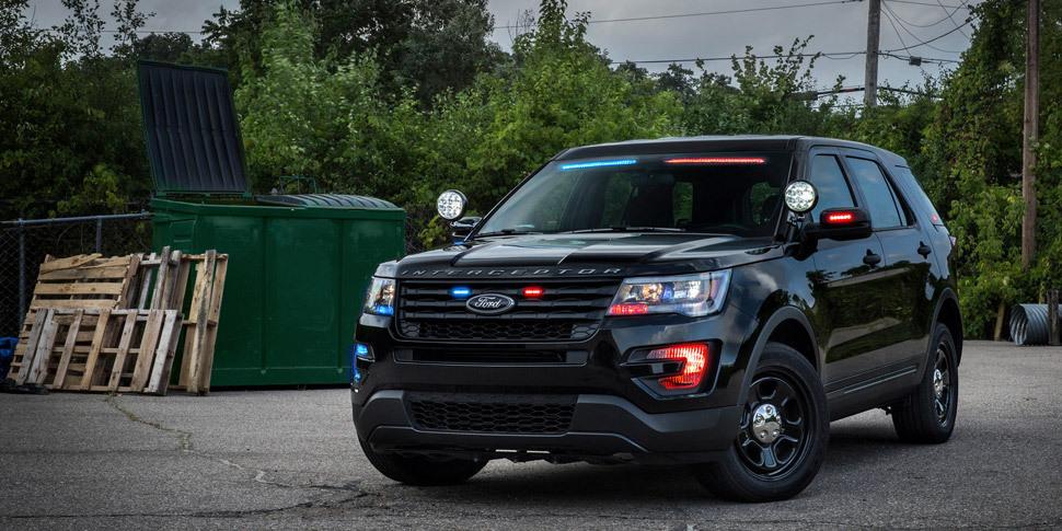 Полицейский внедорожник Ford получил скрытые «мигалки»