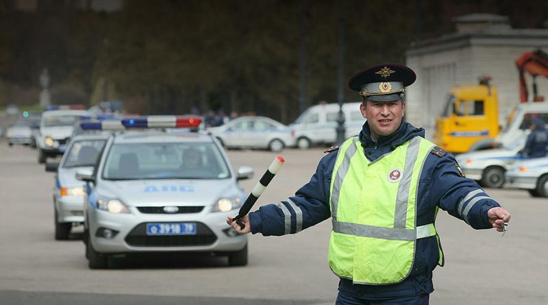 В России в общение водителей и инспекторов внесены поправки
