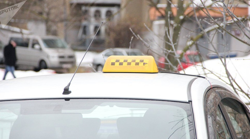 Водитель такси в Минске курил гашиш и предлагал «дунуть» пассажирам