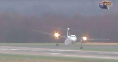 Безумная посадка самолёта во время штормового ветра в Дюссельдорфе (ВИДЕО)