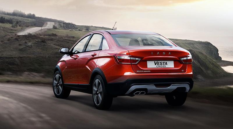 «АвтоВАЗ» начал собирать «вседорожный» седан Lada Vesta