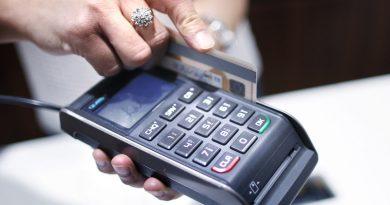 В выходные могут возникнуть сбои вработе карточек некоторых банков