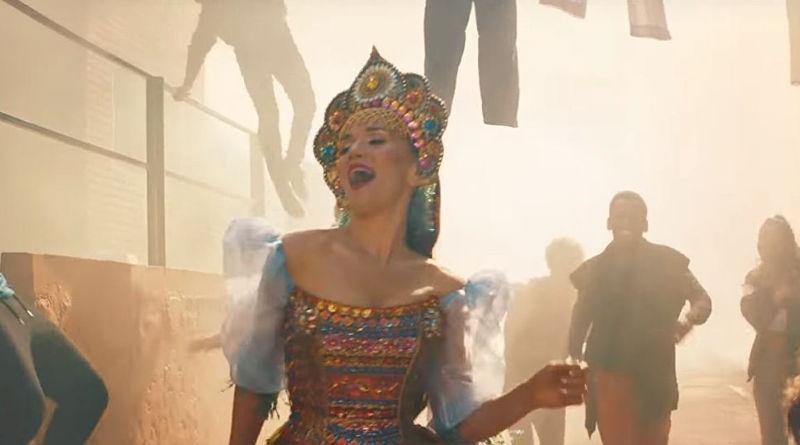 Наталия Орейро исполнила песню кЧМ 2018 на русском языке ив кокошнике