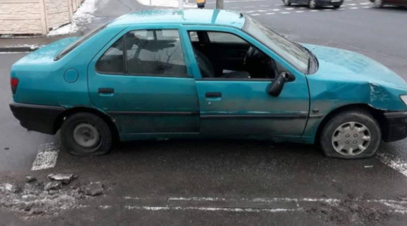 В Минске водители прямо на дороге порезали друг другу шины из-за ссоры