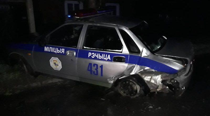 В Речице пьяный водитель на Audi врезался вавтомобиль ГАИ