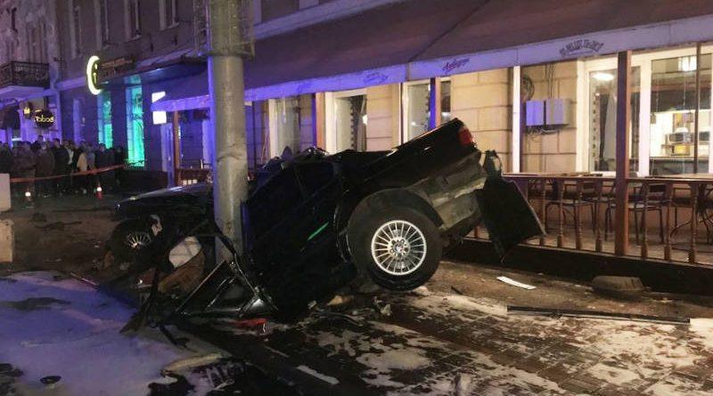 Страшное ДТП вГомеле: машина сбила трех женщин на тротуаре
