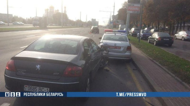 В Бресте пьяный водитель врезался вавтомобиль ГАИ — пострадал инспектор