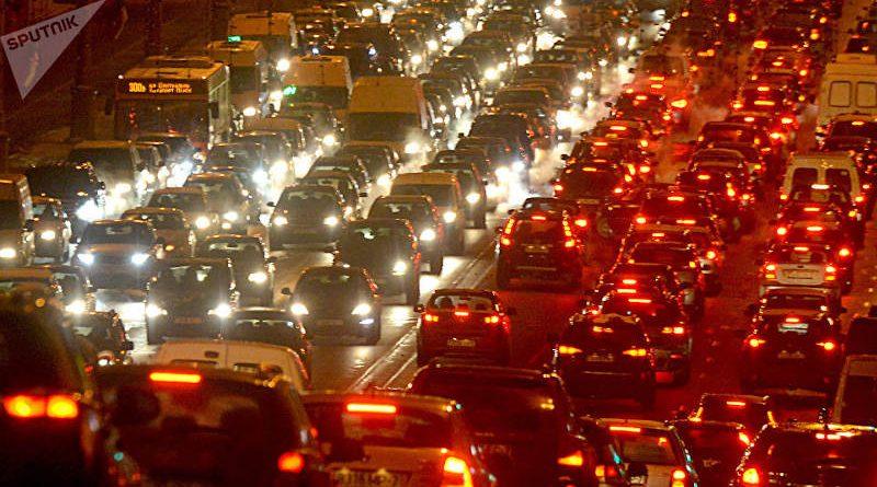 Правительство обещает скидку тем, кто оплатит дорожный сбор сразу за год